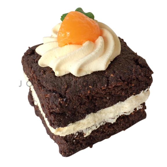 Mini Chocolate Buttercream Cake Square
