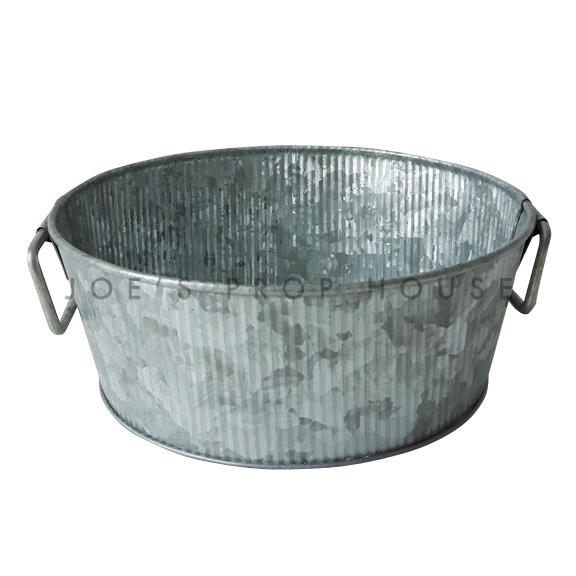 Galvanized Ribbed Metal Bowl w/Handles Medium