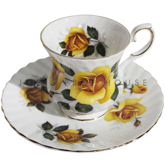 Reyna Floral Teacup and Saucer