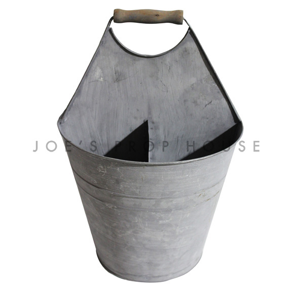 Gardeners Metal Compartment Bucket
