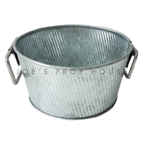 Galvanized Ribbed Metal Bowl w/Handles Small