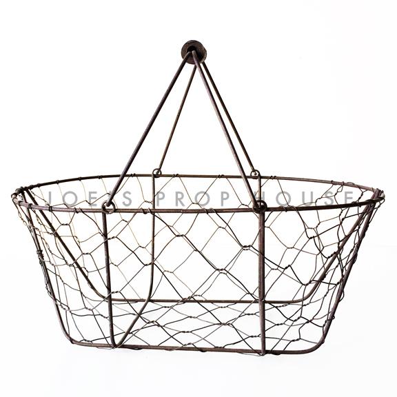 Cage de Poule Wire Basket w/Handle